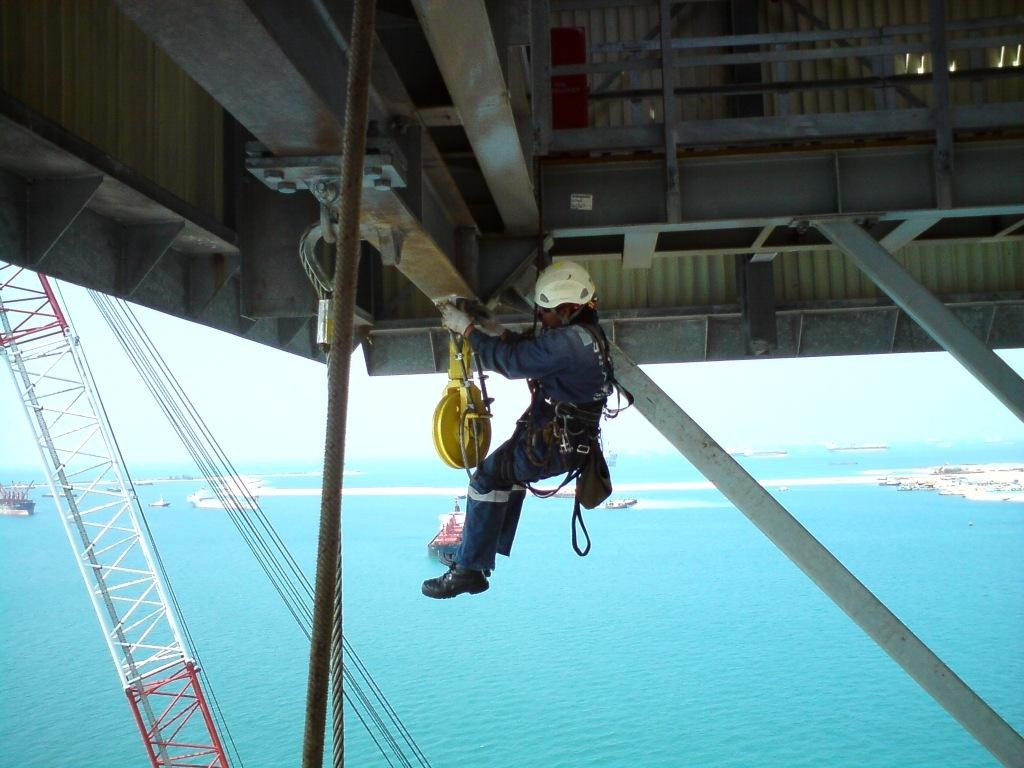 Industrial_Rope_Access_on_Oil_Rig