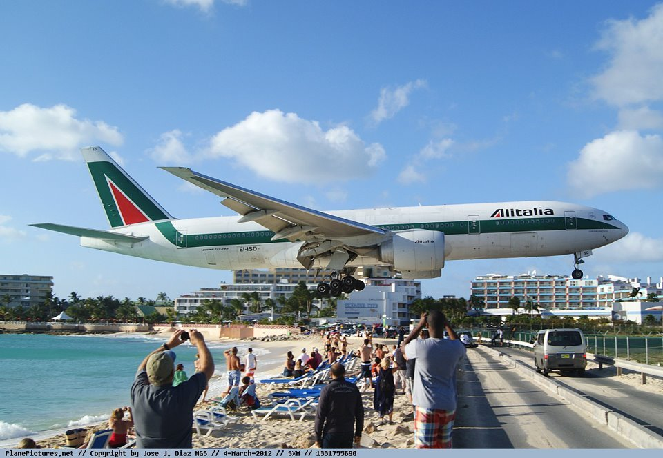 Princess-Juliana-International-Airport-Saint-Martin