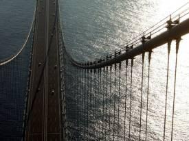 akashi bridge from top